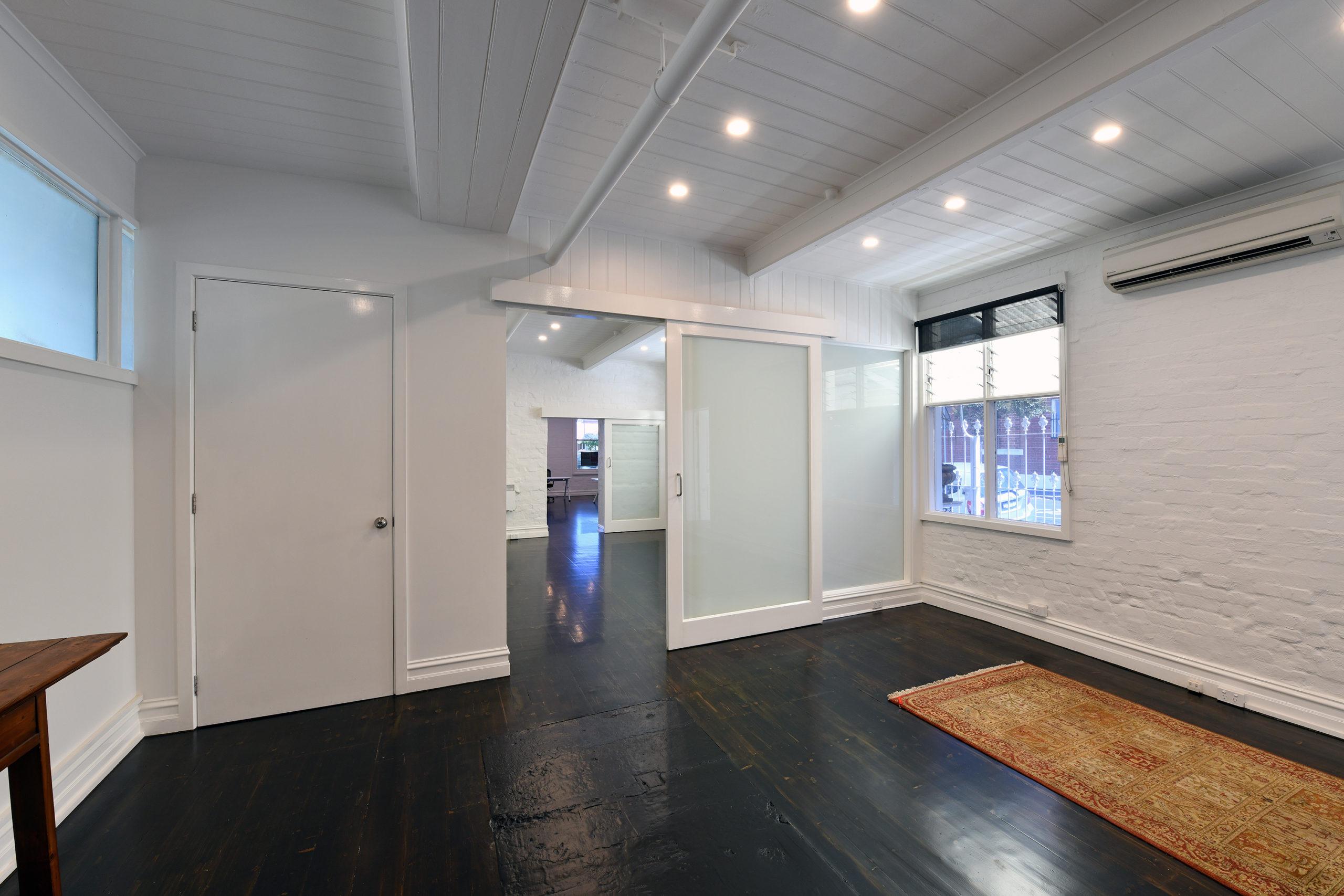 229 Lennox Street - Inside